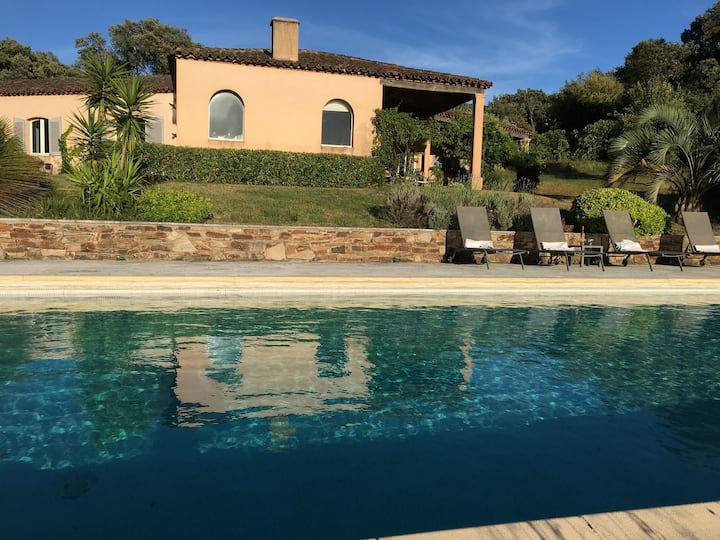 Near Saint-Tropez, Bed & Breakfast
