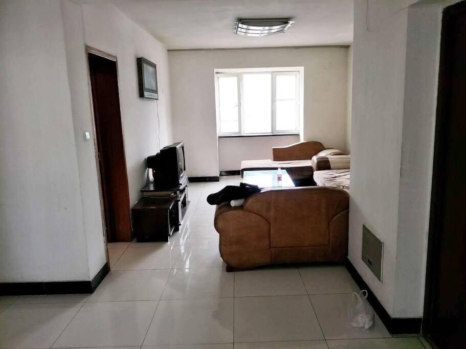 房子宽敞明亮、干净整洁