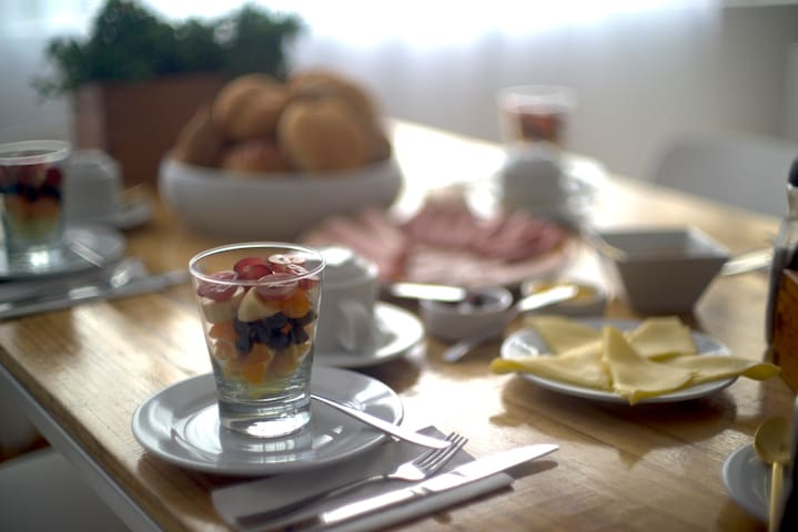 A delicious breakfast to start off your day ... Very rare in Miraflores ... and the rest of Latin America