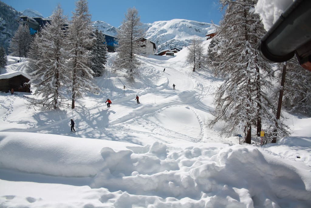 Ski run in front of the chalet