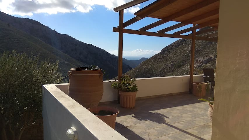 Mountain Apartment With Nice View (1 double bed)