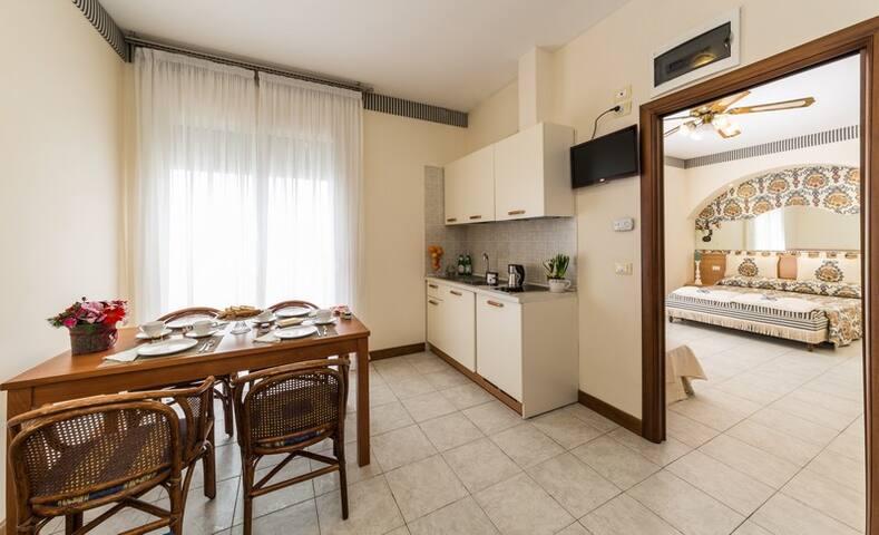 Hotel Nettuno è Frontemare - Lido di Jesolo - Leilighet