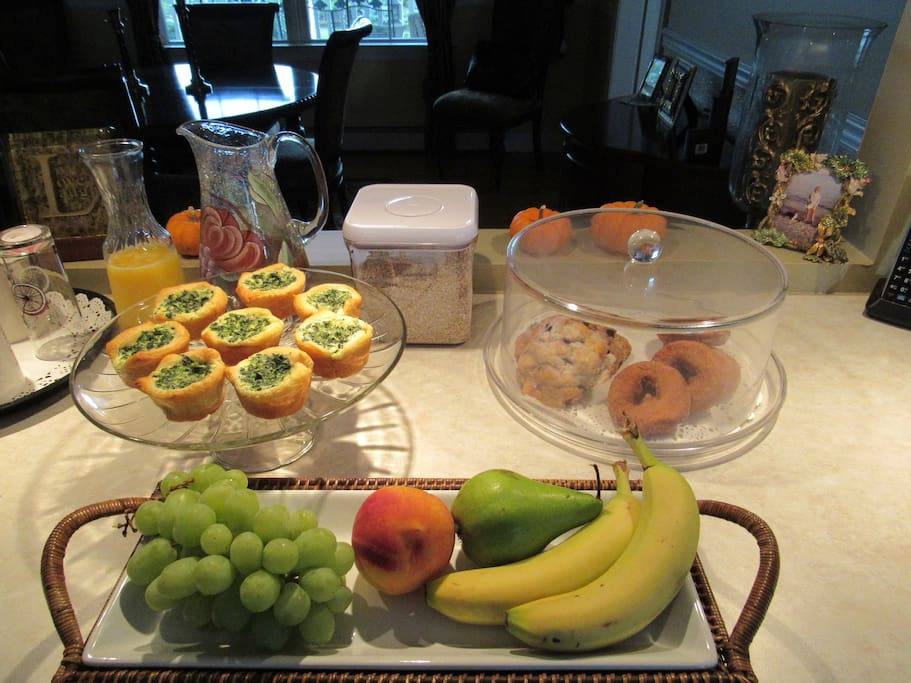 Breakfast: coffee/tea/orange juice/local apple cider, oatmeal, fruit, apple cider donuts, blueberry sconces, home-made mini quiches