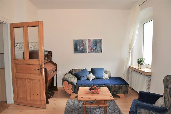 Chic flat in pretty center (near train station)