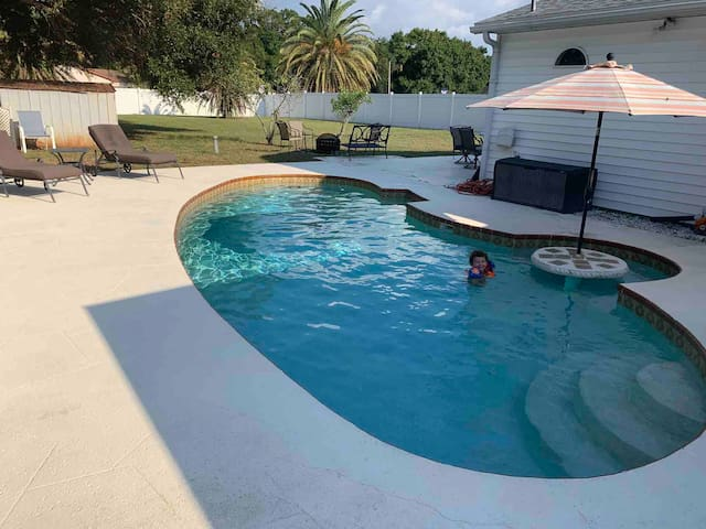🌈 POOL HOME *NEAR BEACHES* XL BACKYARD