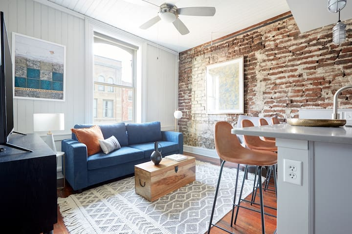 Sonder | The Broughton | Sunny 1BR