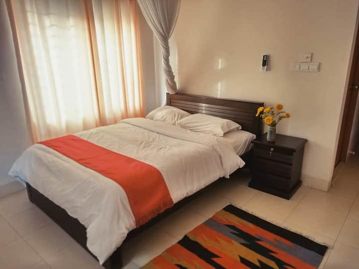 Modern ensuite room in Banani (Gulshan) w/ AC