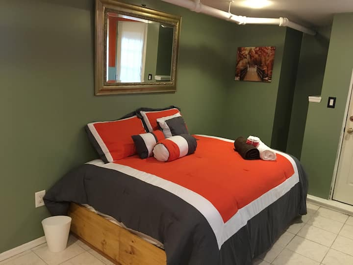 Orange Rm, 4bd rm Home Medical & Professional ONLY