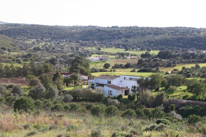 Casa Verde - a tranquil escape! - Bensafrim - Casa