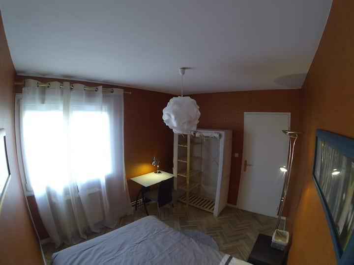 Chambre double, près Hopital, Briffaut, Lautagne