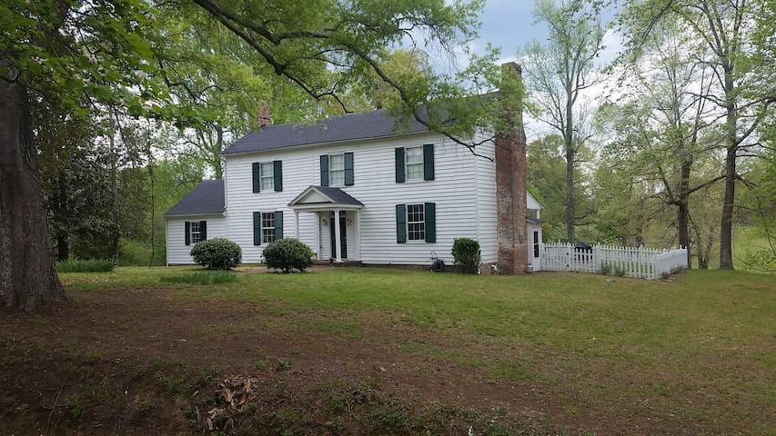 Iden Farm House, New Kent VA near tourist sites - New Kent - House