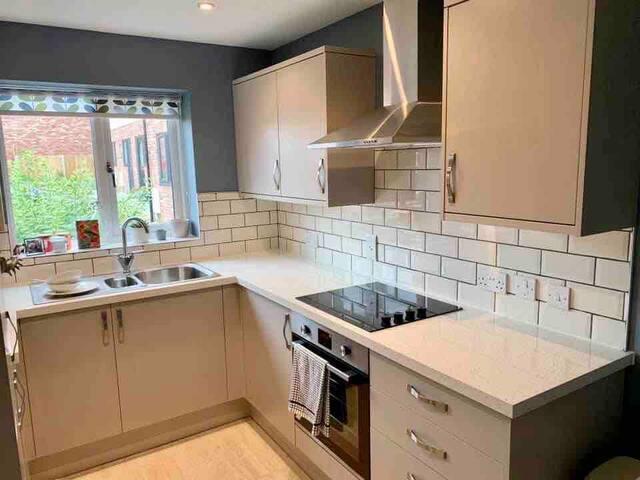 Double bedroom in light modern house in Bridgend
