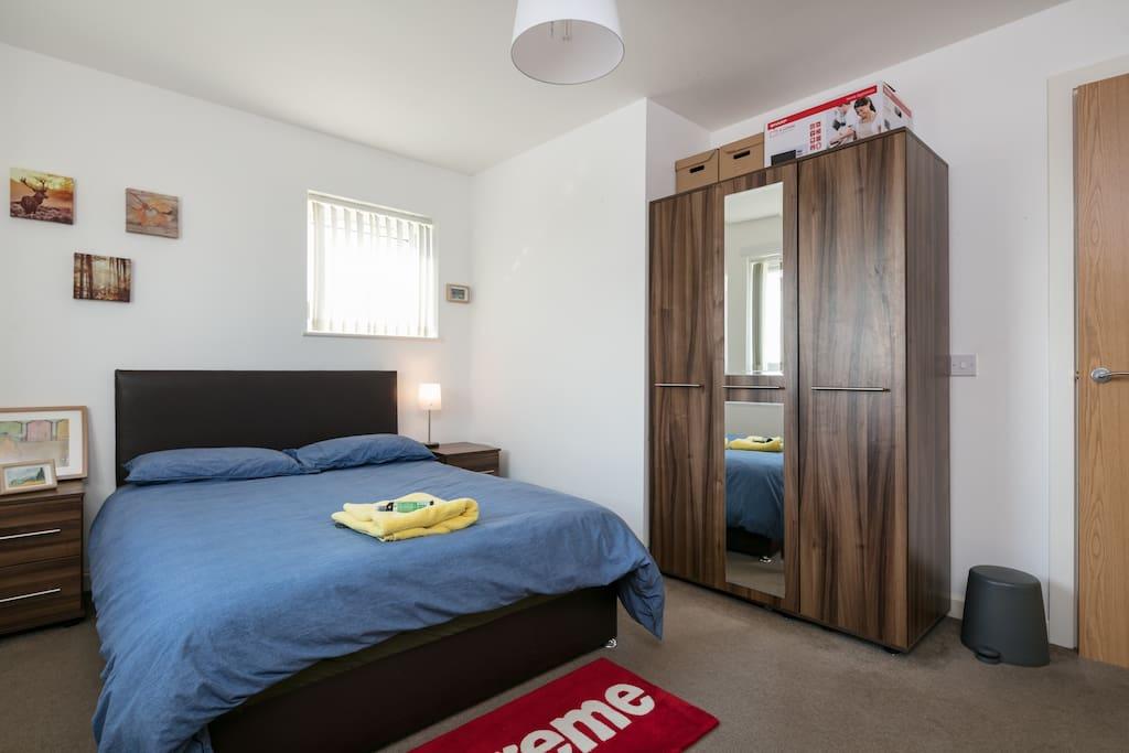 The Mainbedroom~