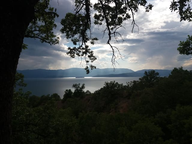 Your lakeside place in Prespa