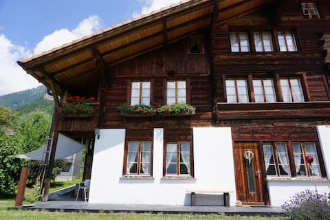 Charming 2 bedroom apartment in the Bernese Oberland