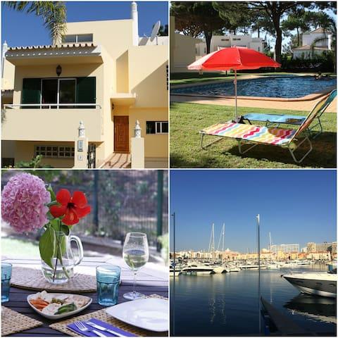 Beautiful 4BR Villa, Golf & Beach! - Quarteira - Huis