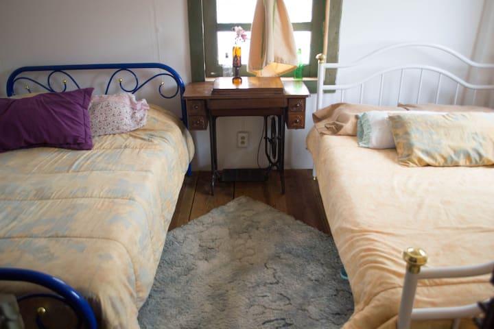 Acogedora habitación en casa ecológica