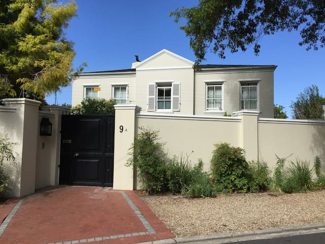 Secure property in Upper Claremont