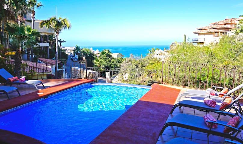 Beautiful Sol y Luna Villa in gated Pedregal Views