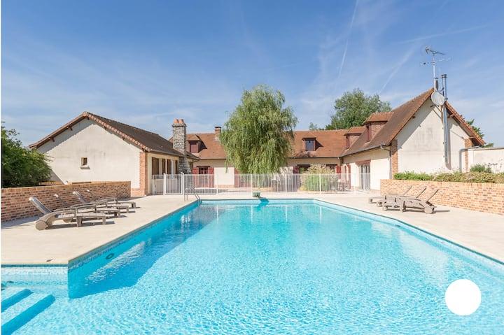 Les Eaux Ouies, villa 14p avec piscine et spa