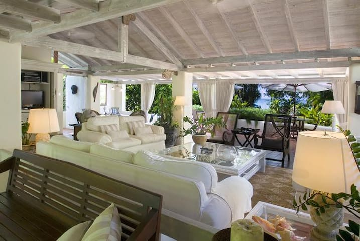 A Most Striking Property Set Within A Tropical Garden - Sandy Lane - Villa