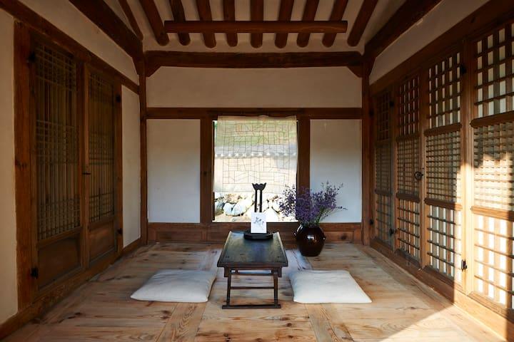 전통 리조트 구름에 - 200년된 전통한옥에서 즐기는 아름다운 산속 한옥촌 (박산정) - Andong-si - Hotel butikowy