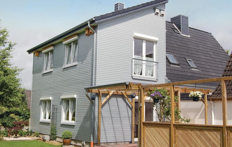 Holiday apartment with 2 bedrooms on 77m² in Windeby OT Friedland