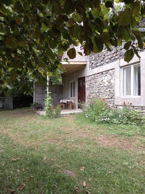 Загатала, село Джар. Каменный дом