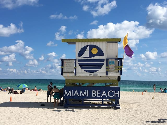 Wow 3 Studios on Ocean Dr for 12 with breakfast - Miami Beach - Bed & Breakfast