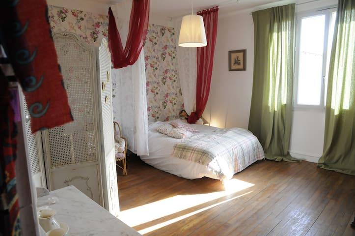 chambres dans maison bourg rénovée - Mouzillon