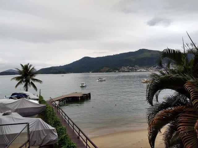 Vista do mar e da Marina para barcos - View from the sea and the boat marine