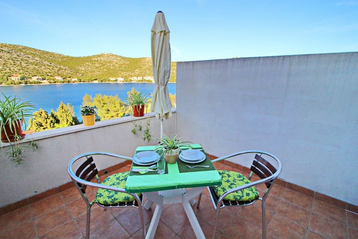 Apartments Marijana - Portorus - Studio Apartment with Terrace and Sea View 2