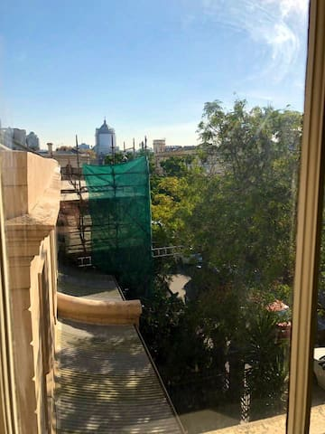 View from bedroom window - the Exhibition Building and Melbourne Museum is less than a 5 minute walk away!