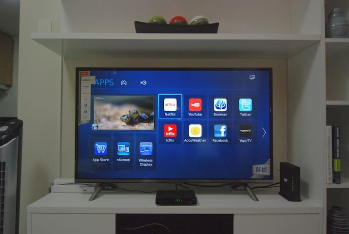 40-inch Ultra High Definition LED Smart TV