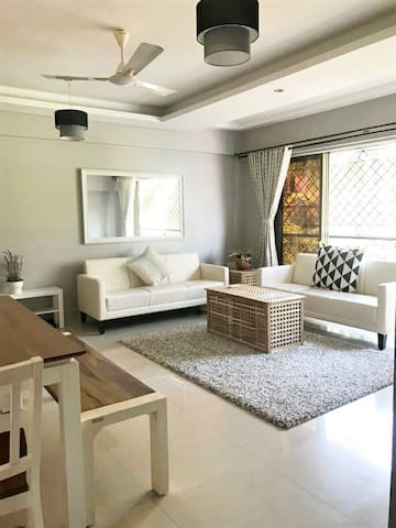 ✪Quiet Bandra Suite a walk away from the Sea✪