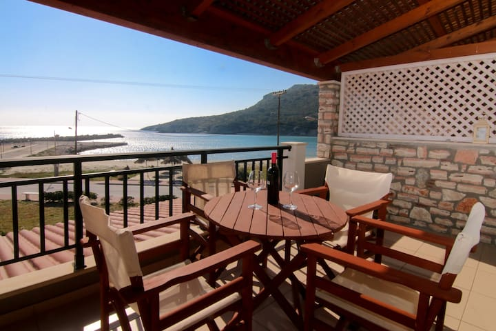 Antonis Two Bedroom Apartment with Sea View