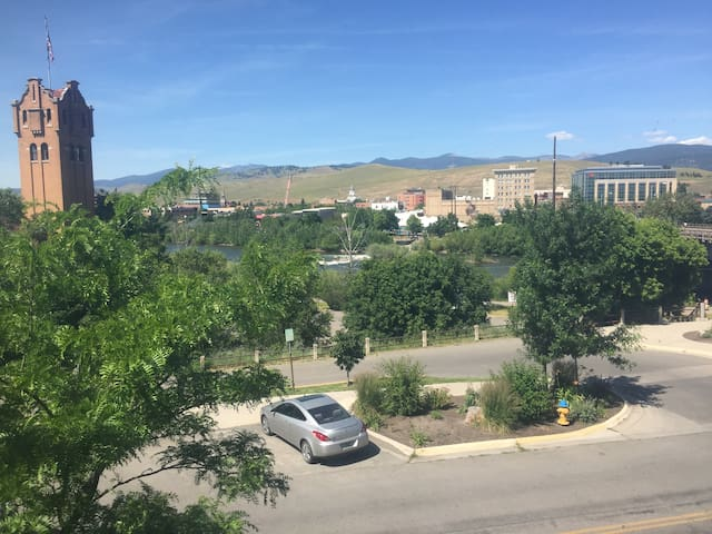 Hip Strip Studio in the heart of Missoula! Apt 8