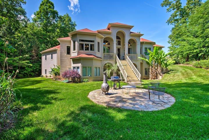 Upscale Belmont Villa w/ Patio & Lake Wylie Access