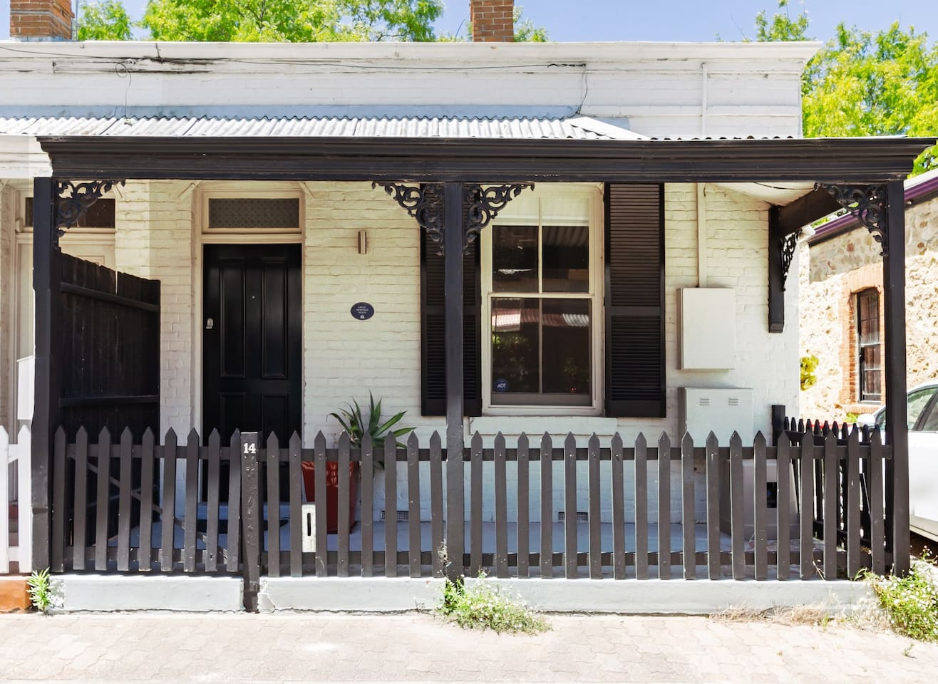 Historical Adelaide City cottage with an architecturally designed renovation.
