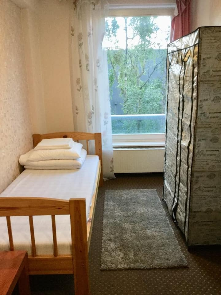 A single Room close from the harbour (Long)