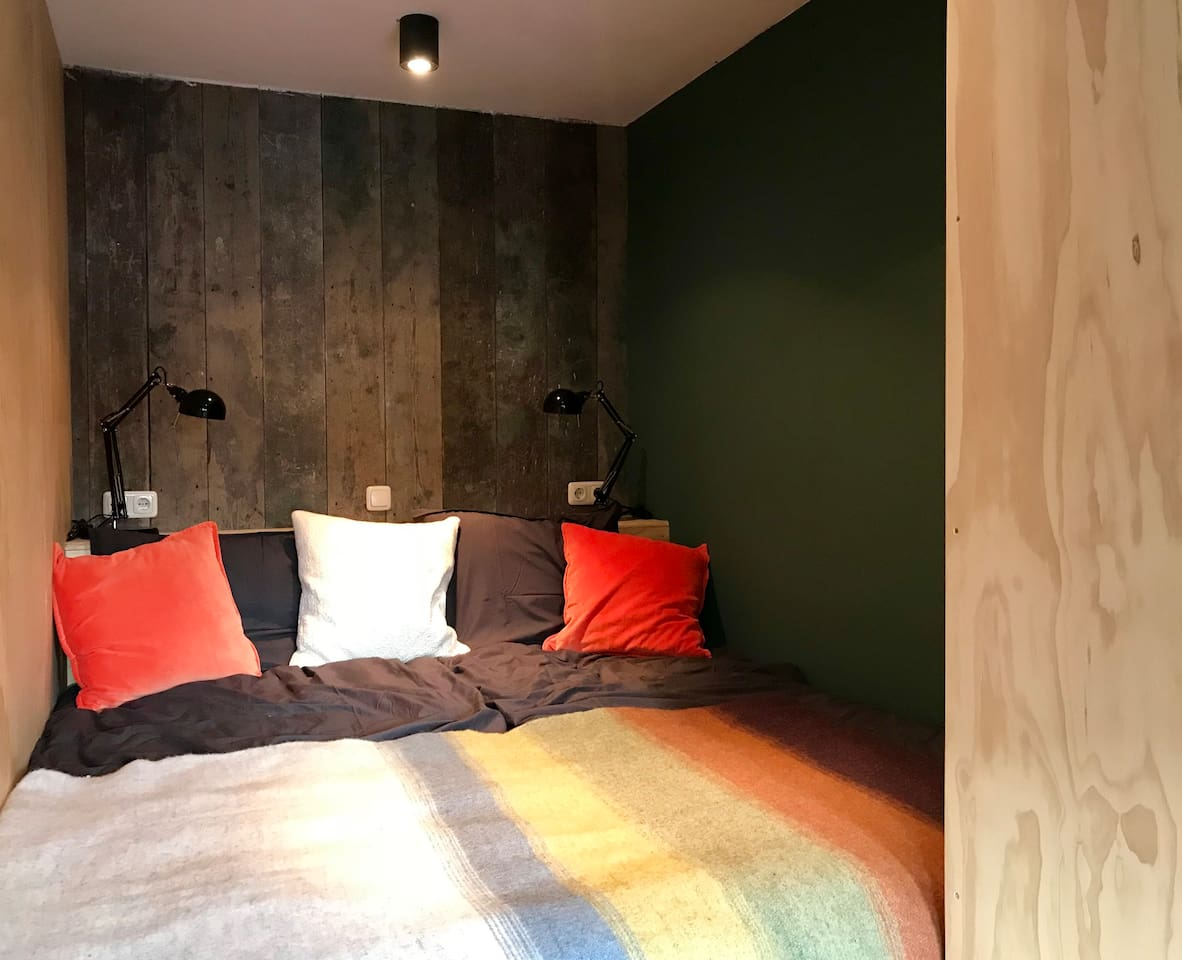 De Bedstee, een dubbel bed van 1.80 x 2.10