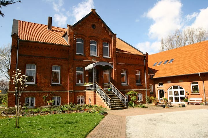 Idyllic holiday apartment in former farm house - Emmerthal - Huoneisto