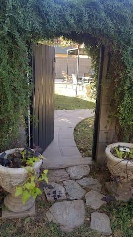 Central Phoenix Garden House -