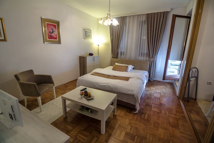 Apartments Barby - Studio - Banja Luka - Appartement