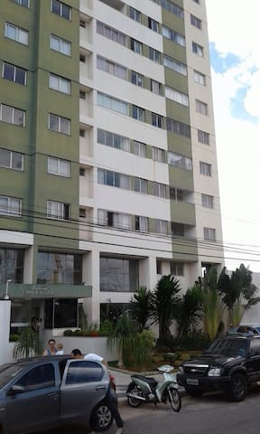 Apto 2 quartos em ótima localização - Goiânia