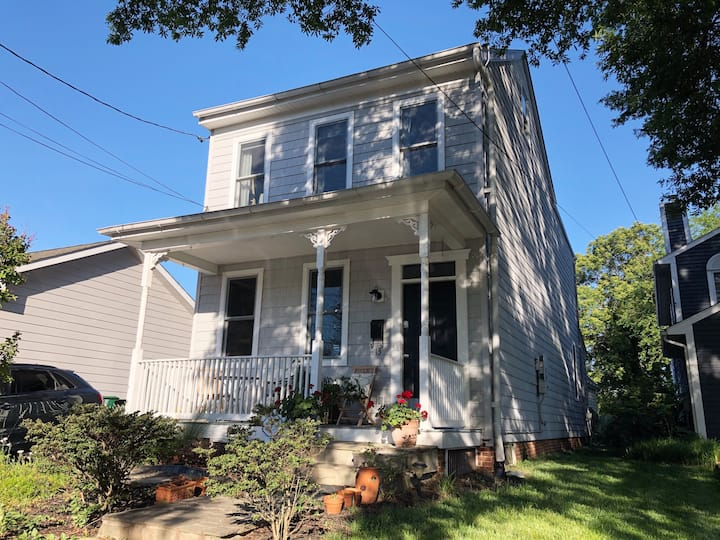 Impeccable 1900's home, walk to downtown Annapolis