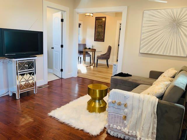 Cozy Laurel 2BD/1BA Home 15 Min to SF & Redwoods