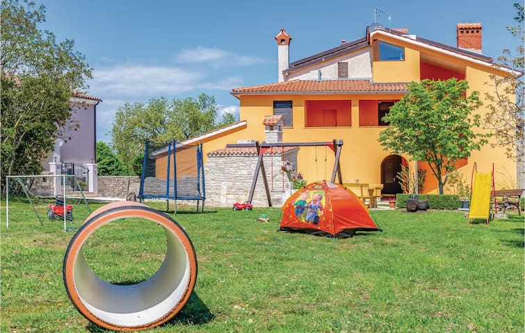 Holiday apartment with 2 bedrooms on 76m² in Krnica