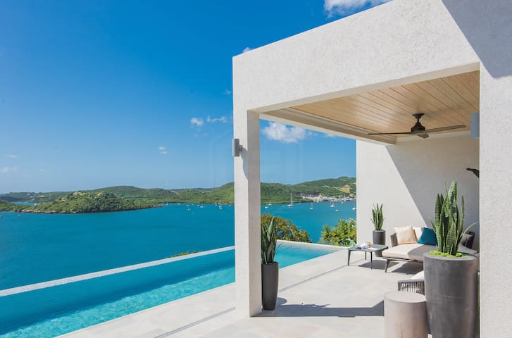 Luxury Villa with view and secluded beach