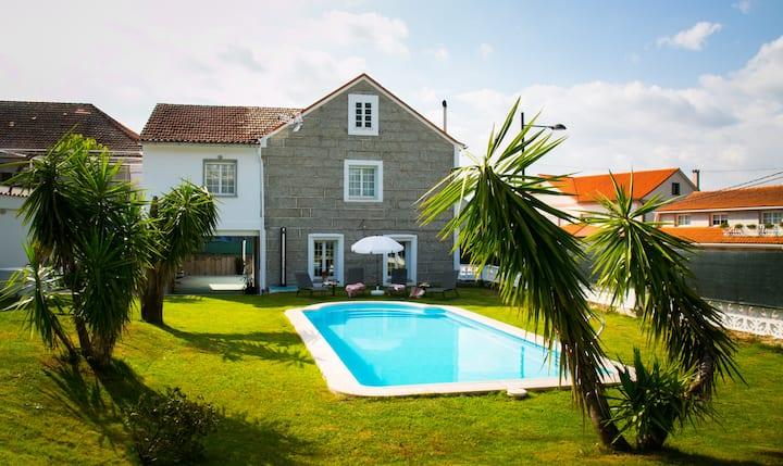 Casa As Teresas: jardín,piscina,barbacoa, chimenea
